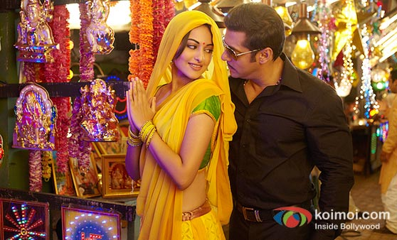 Sonakshi Sinha And Salman Khan (Dabangg Movie Stills)