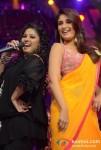 Sunidhi Chauhan Kareena Kapoor Sizzles On The Sets Of Indian Idol Season 6 Finale