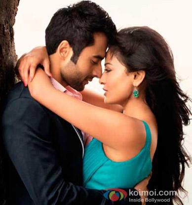 Jackky Bhagnani and Nidhi Subbaiah in a still from Ajab Gazabb Love Movie