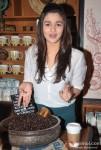 Alia Bhatt Promoting Student Of The Year Movie At Starbucks Coffee Shop Pic 4
