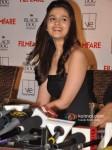 Alia Bhatt Unveils Filmfare Magazine October 2012 Issue Pic 1