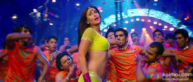 Kareena Kapoor in a Still from Heroine Movie Halkat Jawani Song