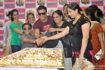 Vivek Oberoi Promoting Kismet Kismat Love Paisa Dilli At Reliance Mart Pic 3