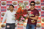 Vivek Oberoi Promoting Kismet Kismat Love Paisa Dilli At Reliance Mart Pic 4