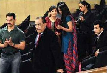 Aamir Khan On The Sets Of CID