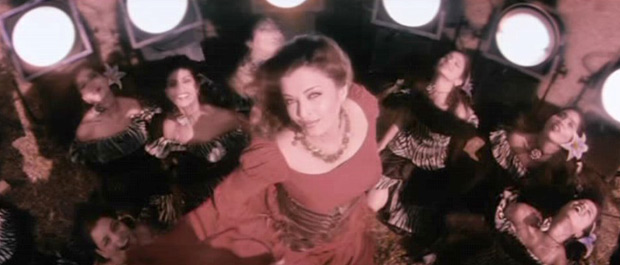 Aishwarya Rai Bachchan in a still from Khakee Movie