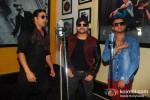 Akshay Kumar, Himesh Reshammiya And Honey Singh Record 'Lonely Remix' Song Pic 1