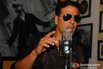 Akshay Kumar Record 'Lonely Remix' Song Pic 1