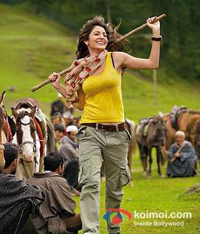 Anushka Sharma In Jab Tak Hai Jaan Movie Stills