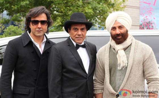 Bobby Deol, Dharmendra and Sunny Deol on the sets of Yamla Pagla Deewana 2