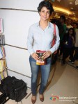 Gul Panag At The Launch Of 'The Edge Of The Manchete' Book Pic 2