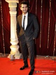 Karan Grover Walk The Red Carpet Of Zee Rishtey Awards