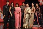 Karan Johar, Malaika Arora Khan, Farah Khan, Shah Rukh Khan, Kirron Kher, Katrina Kaif And Anushka Sharma On 'India's Got Talent' Grand Finale Pic 2
