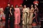 Karan Johar, Malaika Arora Khan, Farah Khan, Shah Rukh Khan, Kirron Kher, Katrina Kaif And Anushka Sharma On 'India's Got Talent' Grand Finale Pic 1