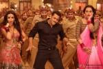 Malaika Arora Khan, Salman Khan, Sonakshi Sinha in 'Pandey Jee Seeti' Song In Dabangg 2 Movie Stills