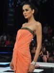 Model Walk For Nandita Mahtani Show At Blenders Pride Fashion Tour 2012 Pic 3