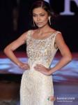 Model Walks For Riyaz Gangji At India Resort Fashion Week 2012 Pic 7