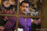 Salman-Khan lost in deep thoughts in Dabangg 2 Movie Stills