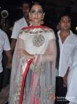 Sonam Kapoor Celebrates Diwali With Father Anil Kapoor Pic 2