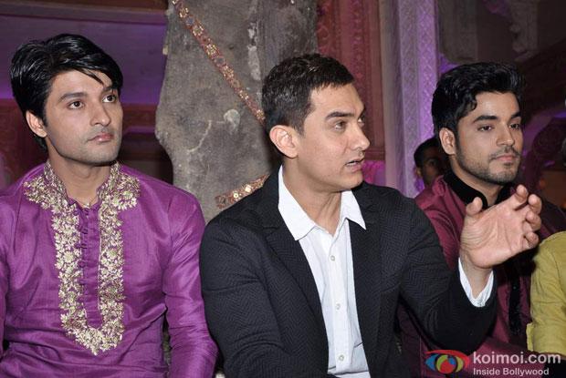 Aamir Khan On The Sets Of Star Parivar