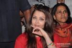 Aishwarya Rai Bachchan on World AIDS Day for UNAIDS Pic 1
