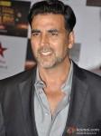 Akshay Kumar walk the Red Carpet of Big Star Awards Pic 2