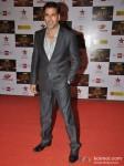 Akshay Kumar walk the Red Carpet of Big Star Awards Pic 1
