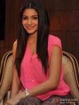 Anushka Sharma promote 'Matru Ki Bijlee Ka Mandola'