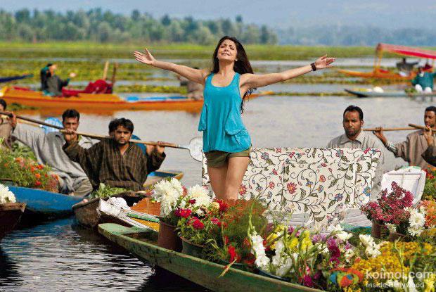Anushka Sharma in a still from Jab Tak Hai Jaan Movie