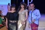 Bipasha Basu sizzles at India Resort Fashion Week 2012 Pic 9