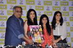 Boney Kapoor, Sridevi, Khushi Kapoor, Jhanvi Kapoor at People's Magazine Cover Launch Pic 2