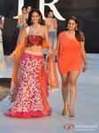 Bruna Abdullah walks for Shouger Merchant Doshi at India Resort Fashion Week 2012 Pic 2