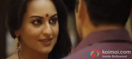 Salman Khan and Sonakshi Sinha in a still from Dabangg 2 Movie