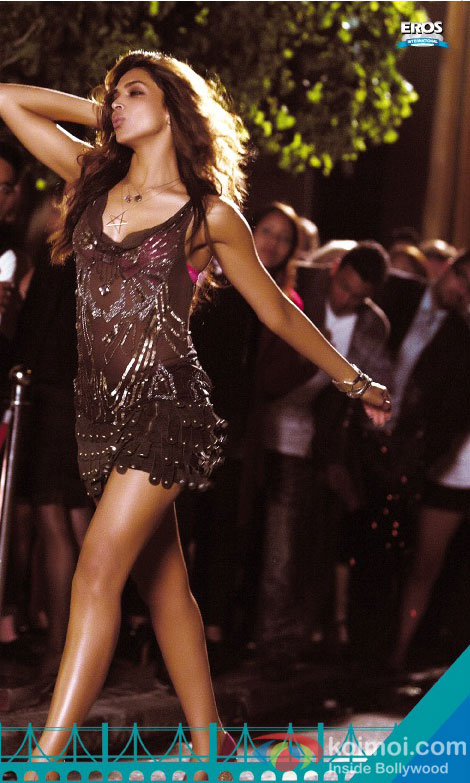 Deepika Padukone in a still from Cocktail Movie