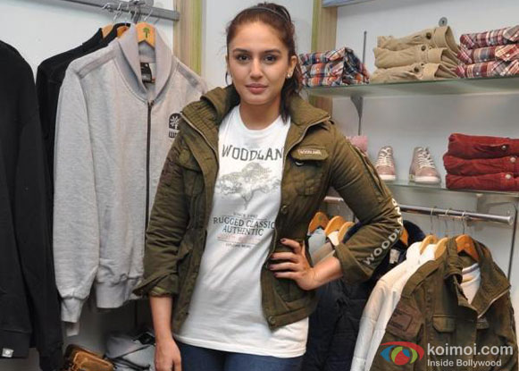 Huma Qureshi At Woodland Fall Winter Collection 2012 Launch