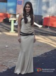 Kareena Kapoor promote 'Fevicol' song on the sets of Big Boss 6 Pic 1
