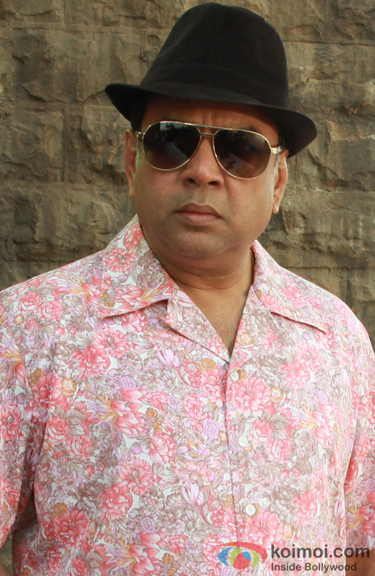 Paresh Rawal poses for the shutterbugs in Pink Floral shirt in Kamaal Dhamaal Malamaal Movie