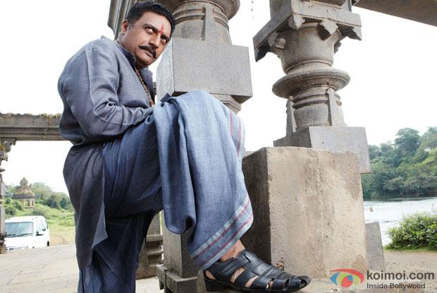 Prakash Raj in a still from Dabangg 2 Movie