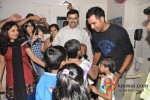 Rohit Sharma meets Cancer Patients Pic 6
