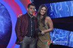 Salman Khan And Kareena Kapoor promote 'Fevicol' song on the sets of Big Boss 6 Pic 1