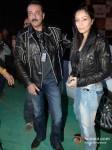 Sanjay Dutt And Manyata Dutt at Gun N Roses concert Pic 3