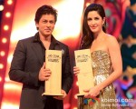 Shah Rukh Khan And Katrina Kaif walk the Red Carpet of Big Star Awards
