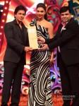 Shah Rukh Khan And Deepika Padukone walk the Red Carpet of Big Star Awards