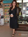 Shama Sikander launch Vinod Nair's book