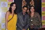 Tulip Joshi launch Vinod Nair's book Pic 4