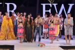 Vidhyut Jamwal walks for Welspun at India Resort Fashion Week 2012 Pic 7