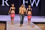 Vidhyut Jamwal walks for Welspun at India Resort Fashion Week 2012 Pic 6