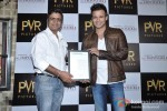 Vivek Oberoi Attend 'The Impossible' Movie Pres Meet Pic 9