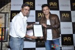 Vivek Oberoi Attend 'The Impossible' Movie Pres Meet Pic 7