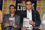 Vivek Oberoi launch Vinod Nair's book Pic 1